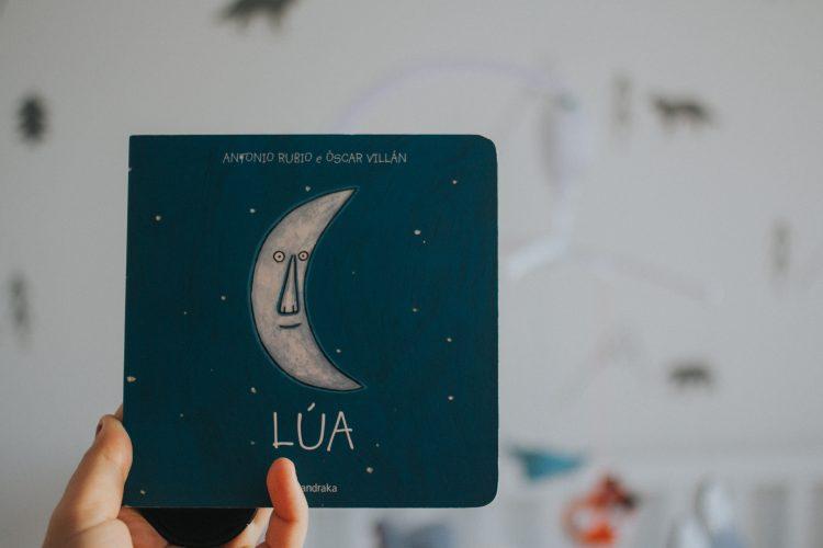 Lúa de Antonio Rubio e Óscar Villán. Kalandraka.